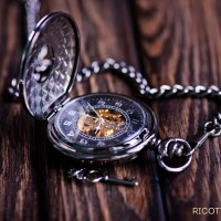 a_pocket_watch_wood